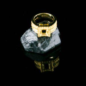 Swarovksi kristallidega kullatud hõbe sõrmus